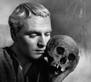 Hamlet_Olivier_Yorick