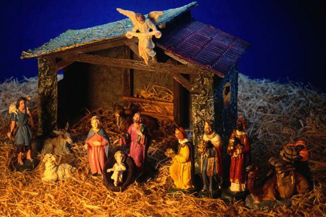 nativity-scene-53179208