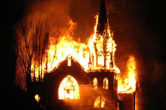 Church_on_fire_Credit_butterbits_via_Flickr_CC_BY_SA_20_CNA_8_3_15