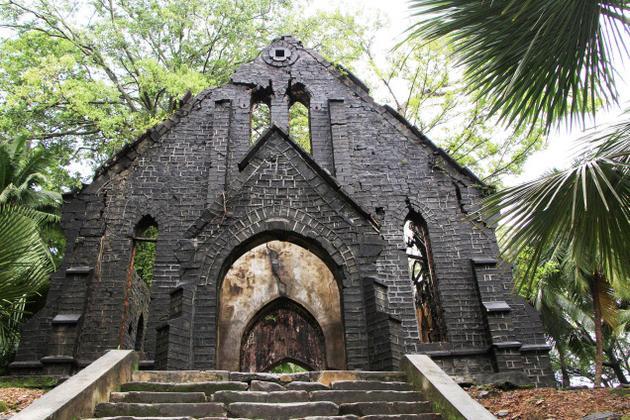 crumbling-church-3
