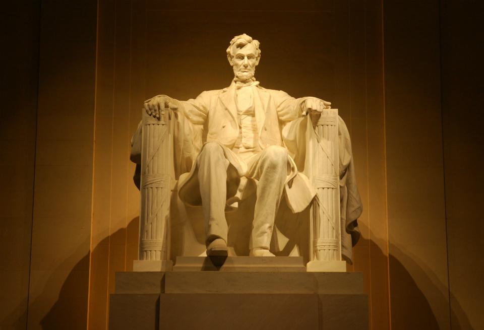 Lincoln-statue-web